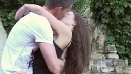 Amateur blowjob euro babe deepthroats outdoor