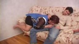 Mamma Russa si scopa il figlio