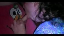 Giovane ragazzo scopa una cicciona che gli fa un pompino