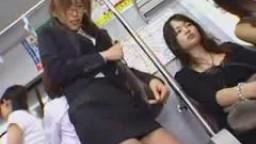 Adolescentes Transsexuelles Asiatique - Train Sex