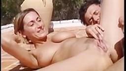 pissing pleasure couple
