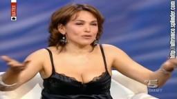Barbara D'Urso Tette grosse con capezzolo