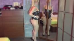 MILF bionda in lingerie