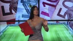 Barbara Francesca Ovieni ci mostra le mutande